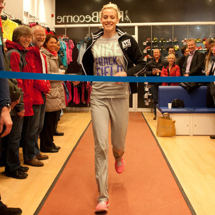 lynsey-sharp-christens-the-new-wee-track-at-run_and_become_opening_night-2769